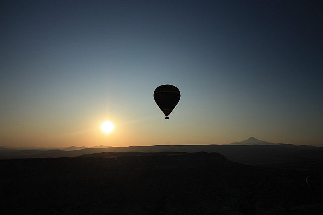The Perfect Proposal on a Hot Air Balloon